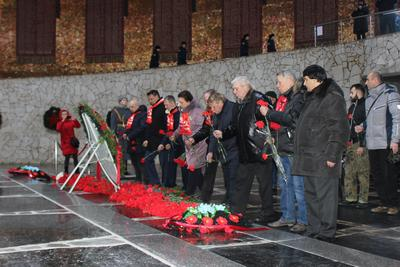 Коммунисты почтили память героев Сталинградской битвы