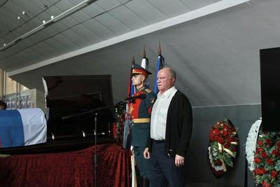 Геннадий Зюганов принял участие в церемонии прощания с легендарным советским борцом Александром Иваницким