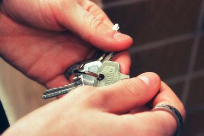Как происходит возмещение коммунальных услуг по договору аренды