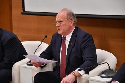 Геннадий Зюганов: Мы должны позаботиться о том, чтобы иметь здоровое, умное, сильное, хорошо подготовленное и образованное население