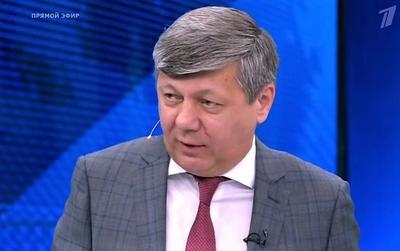 Дмитрий Новиков: Олигархическое меньшинство Украины пытается сохранить власть