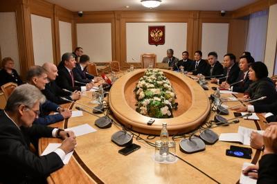 Дмитрий Новиков встретился с вьетнамской делегацией в Москве