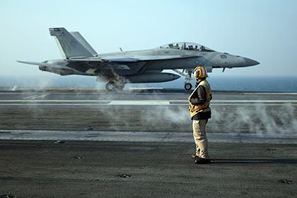 СМИ: Большинство истребителей ВМС США не могут летать