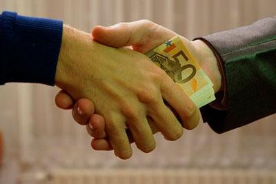 Скакого денежного размера начинается взятка