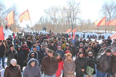 Жители Самары протестуют против роста цен, «мусорной реформы» и сокращений на местных заводах