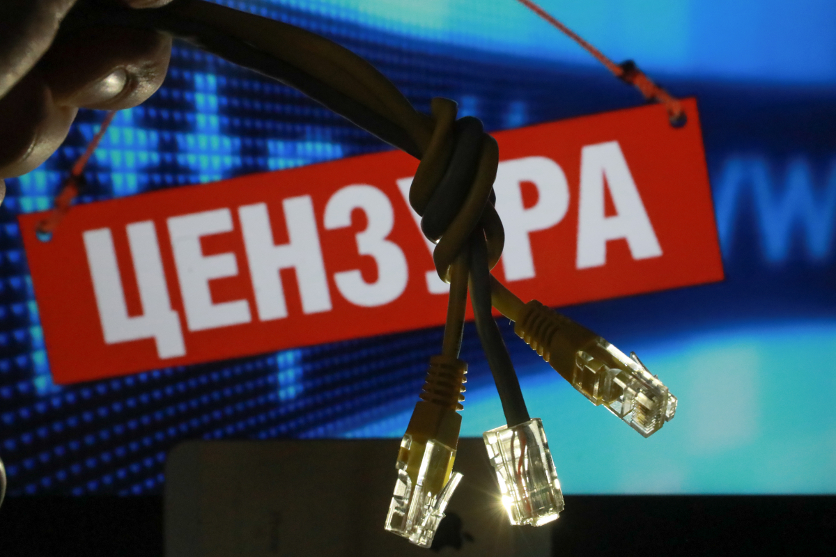 Путин подписал закон «о суверенном интернете». Оппозиция считает, что закон вводит «гиперцензуру»