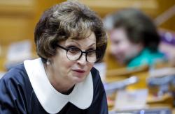 Сенатор Лахова сравнила жизнь на прожиточный уровень с ужасами войны