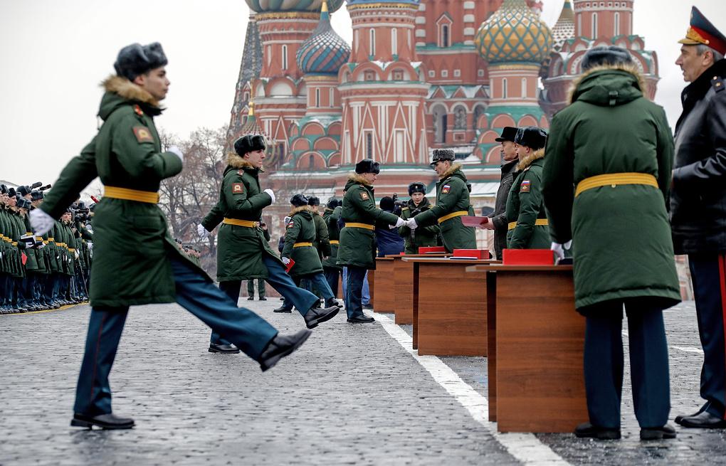 Минобороны потратит полмиллиарда рублей на слежку за курсантами в интернете