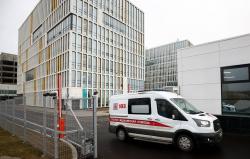 Телеграм-каналы сообщают: В московской специальной коронавирусной больнице не хватает медсестер и врачей. Главрач опровергает