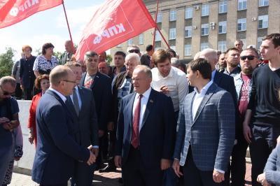 Геннадий Зюганов принимает участие в праздновании Дня города Орла