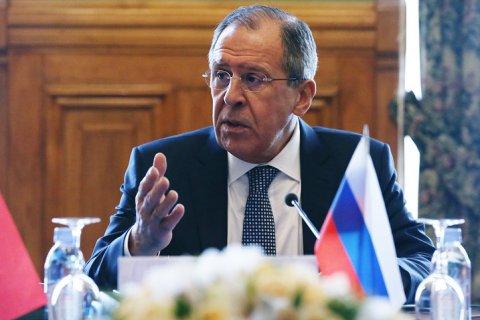 Лавров не смог найти цензурных слов для слухов о «русском следе»