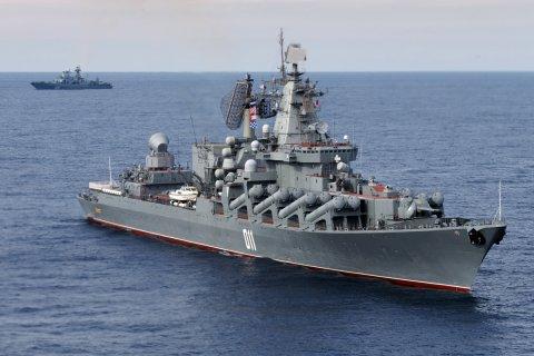 Крейсер «Варяг» прибыл с дружеским визитом в Южную Корею. США и Северная Корея обменялись угрозами