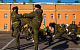 Опрос: Меньше всех кризис затронул силовиков и чиновников