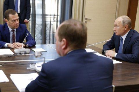 «Что там в реальной жизни»? Путин поручил Медведеву узнать, выросли ли налоги для россиян