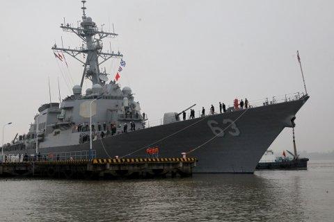 Жэньминь Жибао: Американский эсминец незаконно проник в территориальные воды Китая