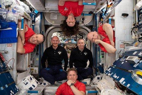 «Роскосмос» считает, что дырку на международной космической станции просверлил американский астронавт