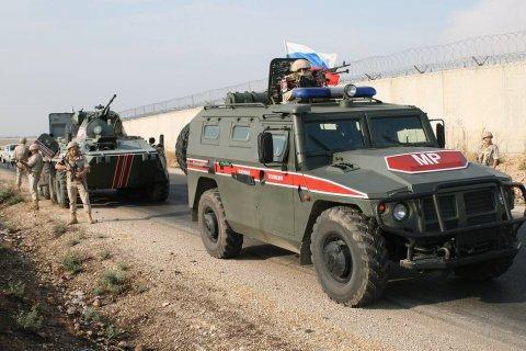 В боях за Идлиб российская военная полиция прикрывает сирийские войска от обстрелов турецкой артиллерией