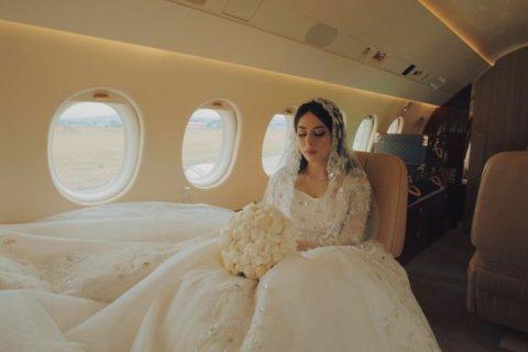 А тем временем. Родственница чеченского министра отмечает свадьбу в платье за 17 млн рублей