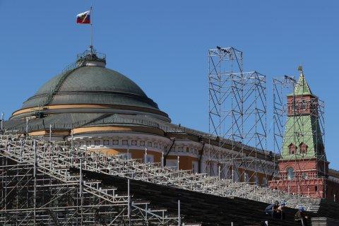 Опрос: Более трети россиян считают, что Россия остается великой державой