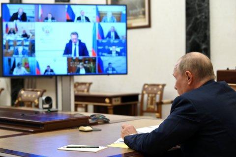 Путин предложил наблюдать за падением доходов бедных россиян