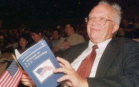 В США умер Сергей Хрущев, американский гражданин, герой соцтруда, сын главы СССР, разработчик советских баллистических ракет, сторонник Путина