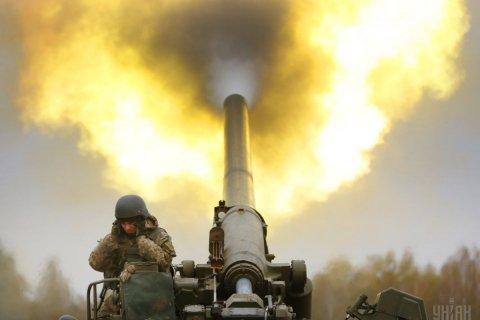 В Донбассе резко обострилась обстановка. Подробности с двух сторон