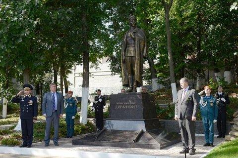 В Кирове открыли памятник Феликсу Дзержинскому