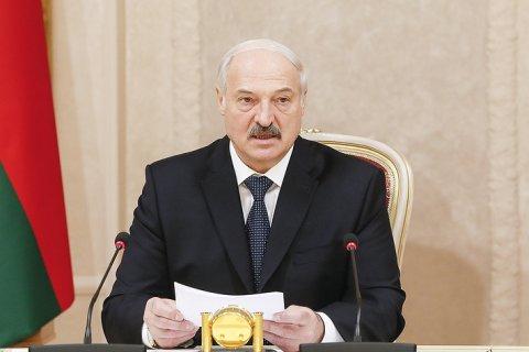 Лукашенко обвинил в контрабанде «санкционки» российских «дельцов с тяжелыми погонами»