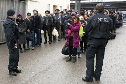 Германия потратила в 2016 году более 21 млрд евро на беженцев