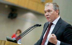 В КПРФ поддерживают запрет иностранного гражданства для муниципальных и государственных служащих