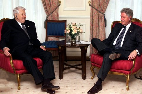 О выборе Путина в качестве преемника Ельцин докладывал Клинтону