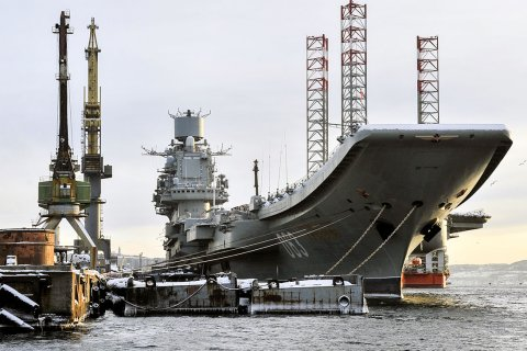 На ремонтирующемся авианосце «Адмирал Кузнецов» произошел пожар