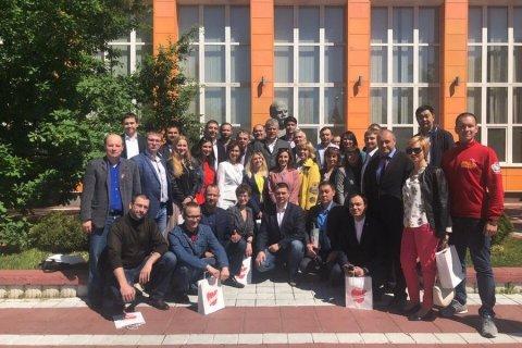Слушатели Центра политучебы ЦК КПРФ посетили Совхоз имени Ленина и театр на Таганке