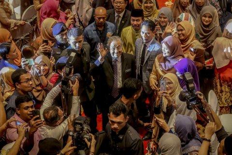 Премьер-министр Малайзии назвал расследование по рейсу MH17 заговором против России