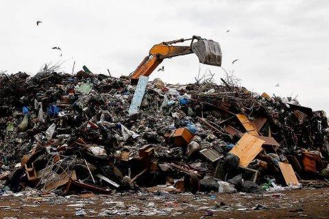 «Непонятно, куда компании направляют свой мусор» Неплатежи юрлиц за вывоз отходов достигают 70%