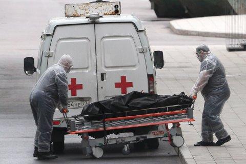 В Москве и Санкт-Петербурге за сутки скончались более 200 человек