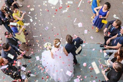 Число зарегистрированных браков в России снизилось на треть за восемь лет