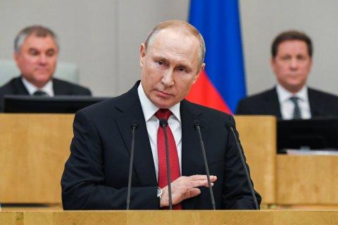 В Кремле рассказали об отношении Путина к созданию культа его личности