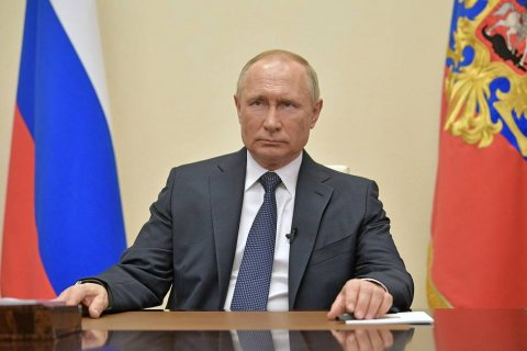 «Люди увидели политика, который не отсиживается где-то далеко на уютной вилле». Доверие к Владимиру Путину за время карантина упало до самого низкого уровня за 14 лет