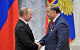 Взятку Дмитрию Медведеву назвали слухами
