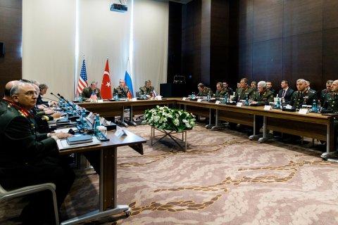В Анталье проходит встреча начальников генштабов России, США и Турции