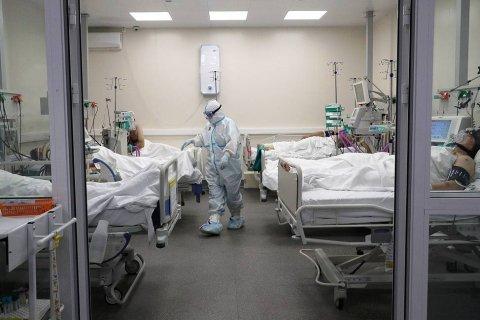 Россия вышла на второе место в мире по числу заразившихся коронавирусом: 232 тысячи заболевших