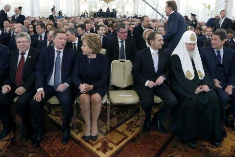 «Они нужны для дальнейшего существования системы». Путин предложил разрешить чиновникам работать до смерти