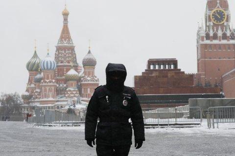 Кремль заявил об отсутствии в России репрессий: Просто «задержано больше, чем могут обработать изоляторы»