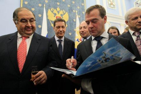Олигарх Усманов подаст в суд на Навального из-за «компота»
