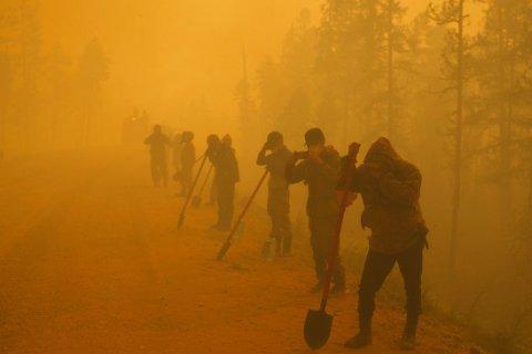 «Миллион гектаров мы тушим лопатами». Путин поручил увеличить группировку для тушения пожаров в Якутии