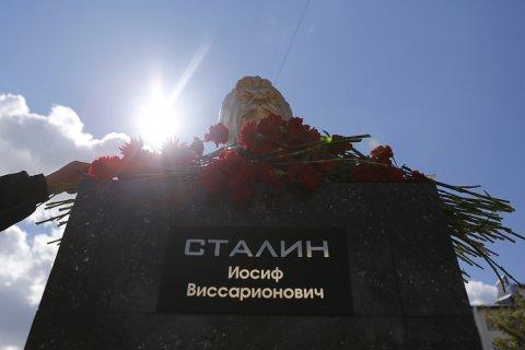 Установку памятных знаков в честь Сталина поддержало почти 80% молодежи