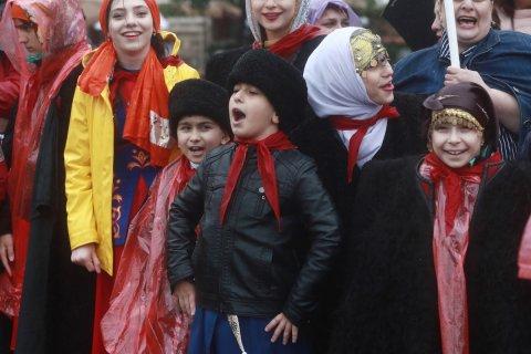 Опрос: Россияне рассказали, что угрожает детям. Интернет даже не упомянут