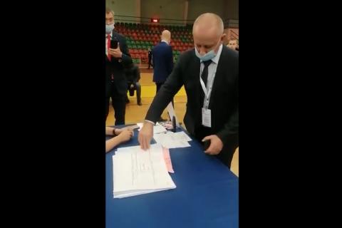 Наблюдатели КПРФ зафиксировали в Лобне подготовку фальсификации голосования по методичке «подмена списков избирателей»