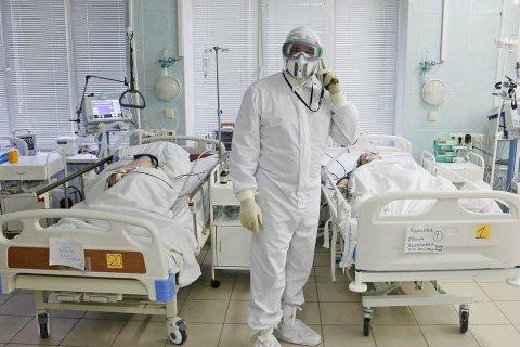 В России за семь дней выявили на 30% больше заболевших COVID-19, чем неделю назад